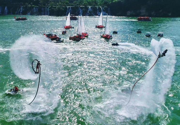 """柳州國際水上狂歡節直擊:上演""""速度與激情"""",把水玩出新境界"""