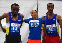 樂山馬拉松(17)|62歲體育記者徵戰2017樂山國際馬拉松賽,他説自己還要再跑20年