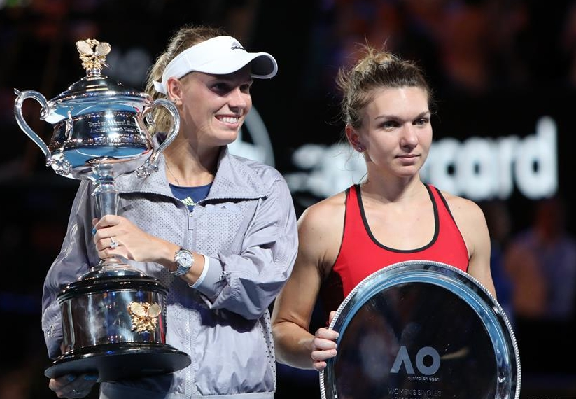 沃茲尼亞奇澳網女單捧杯,首奪大滿貫賽事冠軍