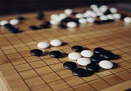 """圍棋AI""""麗拉""""獲讚接近職業棋手水準,它的作者竟是一個不太會下棋的程序員"""
