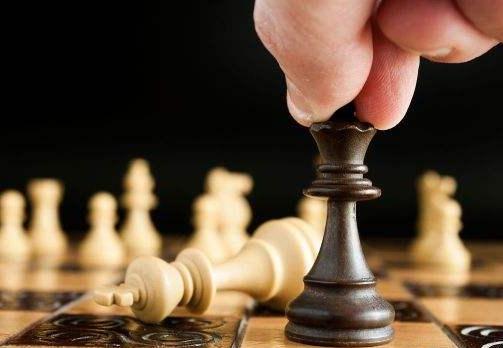 """棋亦人生,這位""""北方棋後""""想通過普及國象讓更多人勇敢面對逆境"""