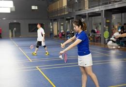 喜欢打羽毛球却找不到合适的对手?探索中的羽毛球分级赛也许将来能为你解忧