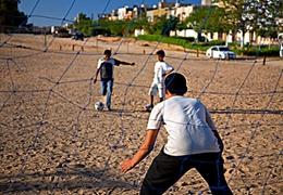 体育的力量!足球让利比亚青年远离冲突和暴力