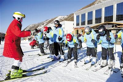 促进冬奥教育进入中小学,北京将加大冰雪教师培养培训