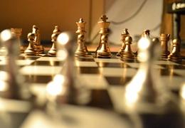 从棋手家长到拓荒者,这位爸爸为了儿子学棋投身国象创业