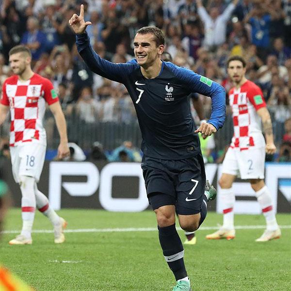 決賽:法國隊格列茲曼點球破門