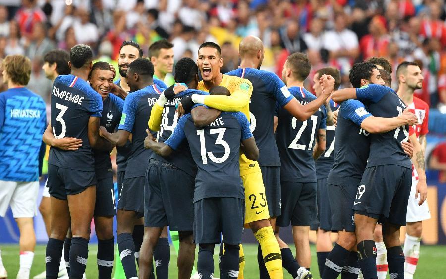 青春風暴席卷俄羅斯!法國隊20年後再捧杯