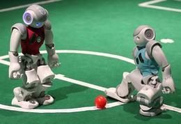 首届全国机器人足球公开赛:小机器人蕴含大梦想