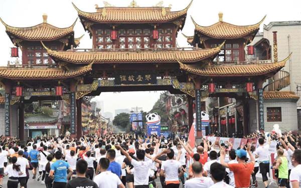 """世界馬拉松大滿貫賽""""距離""""中國有多遠?"""