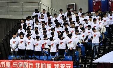 上海一男子在CBA賽場侮辱性謾罵他人 滬警方依法對其行政拘留5日