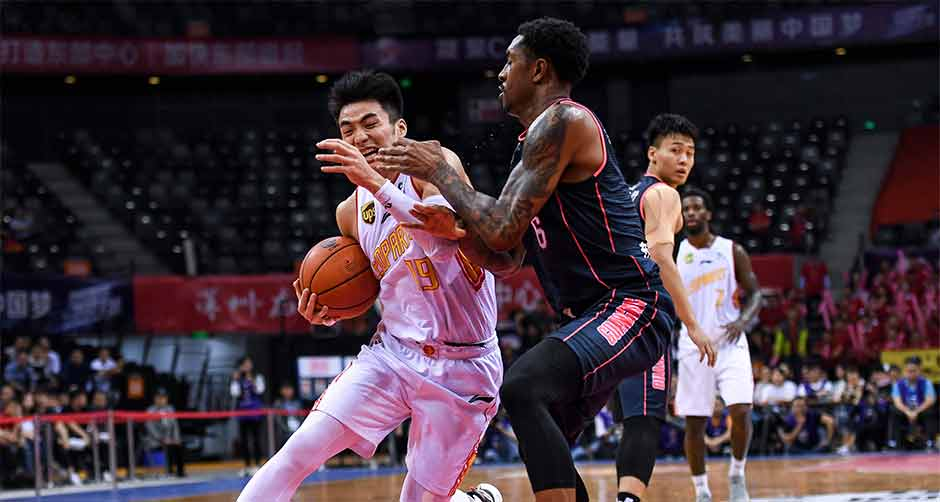 CBA季后赛半决赛:广东东莞银行晋级决赛