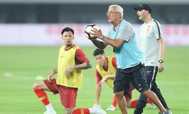 足球世預賽第二輪:中國隊賽前訓練