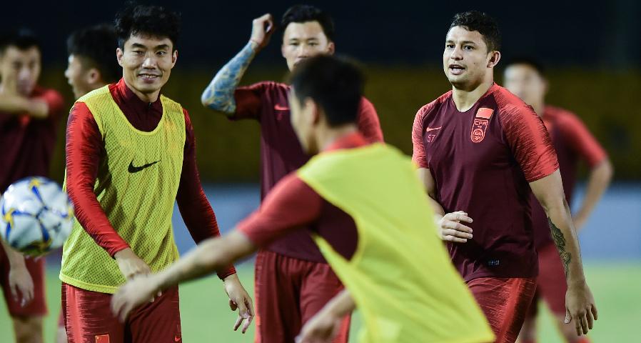 足球世預賽:中國隊在菲律賓進行賽前訓練