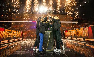 英雄聯盟全球總決賽: 鳳凰涅槃 中國戰隊FPX首度亮相加冕世界冠軍