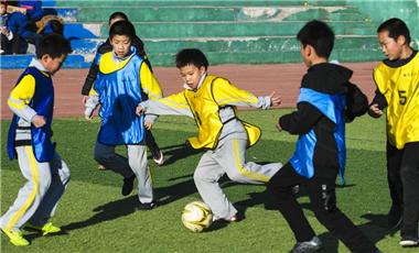 全民健身:校園裏的班級足球聯賽