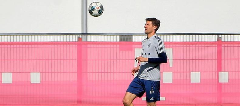 足球:拜仁慕尼黑隊恢復場地訓練