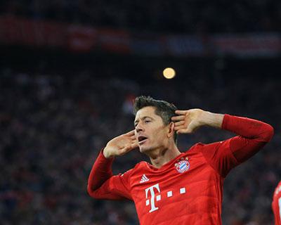 進球不知如何慶祝,9輪9球肯定不夠——專訪德甲射手榜榜首萊萬多夫斯基