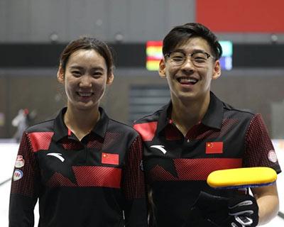 楊瑩/淩智組合獲得中國冰壺隊隊內對抗賽冠軍