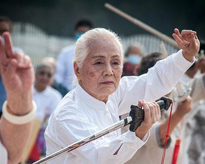全民健身:老年趣味運動會