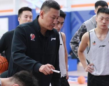 從頭越 再出發——專訪江蘇男籃主帥李楠