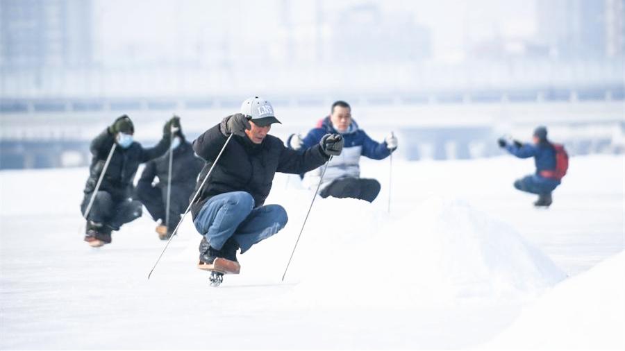 全民健身——單刀冰車 樂享冰趣