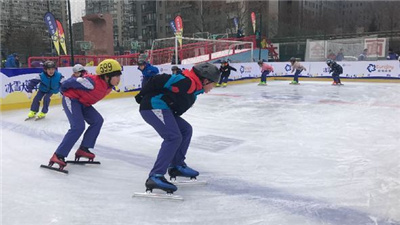"""可造雪!可澆冰!""""迷你多功能冰雪車""""開進吉林校園"""