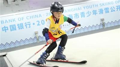 北京冬奧會倒計時300天 上海舉辦青少年滑雪賽