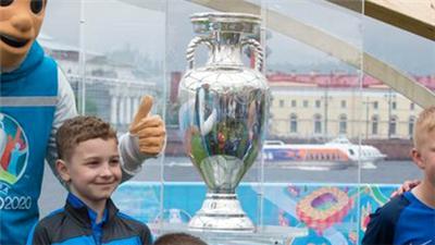 歐錦賽冠軍獎杯——德勞內杯