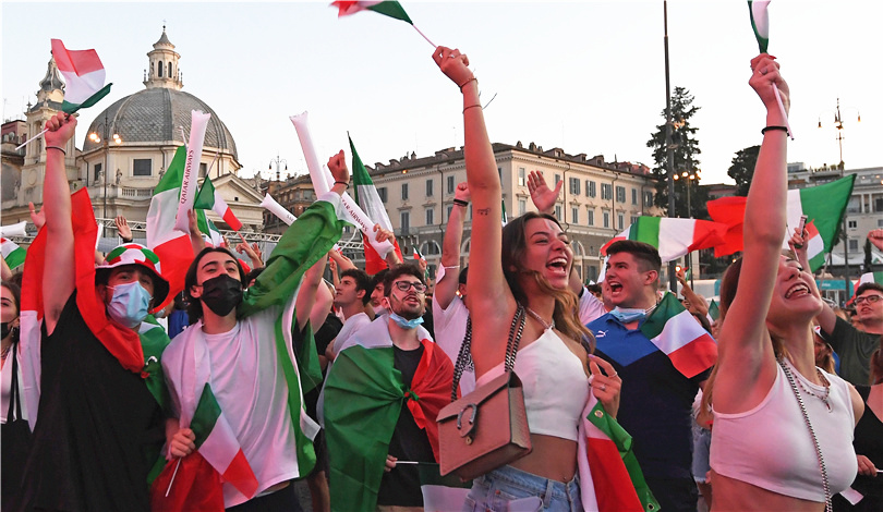 歐錦賽:球迷慶祝意大利隊晉級決賽