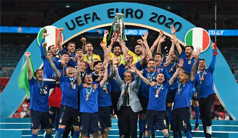 歐錦賽:意大利隊捧杯