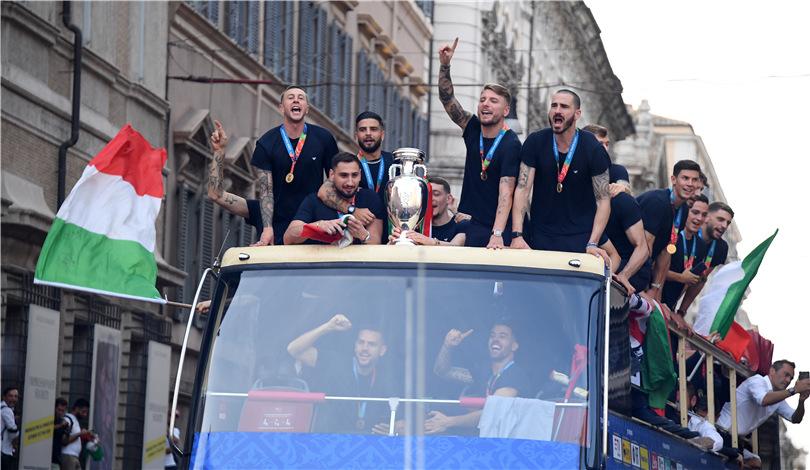 意大利隊凱旋 與球迷共慶歐錦賽奪冠