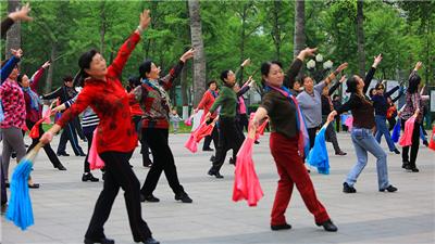 """從普及到升級 專家舞者共議""""廣場舞2.0""""發展路徑"""