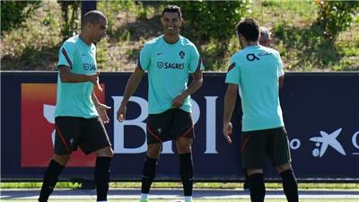 葡萄牙主帥:佩佩和帕利尼亞將缺席對卡塔爾的比賽
