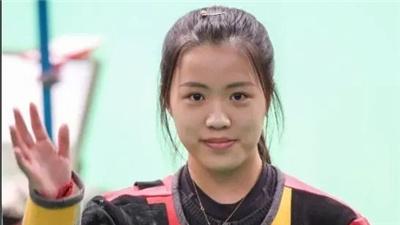 楊倩:回家吃媽媽做的菜,然後回學校上學去