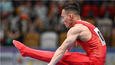 """體操開賽 肖若騰成""""人氣王"""""""