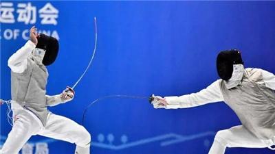 黃夢愷、石玥分獲男女花劍個人賽冠軍