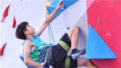 14歲攀岩冠軍:長大還是想當個醫生