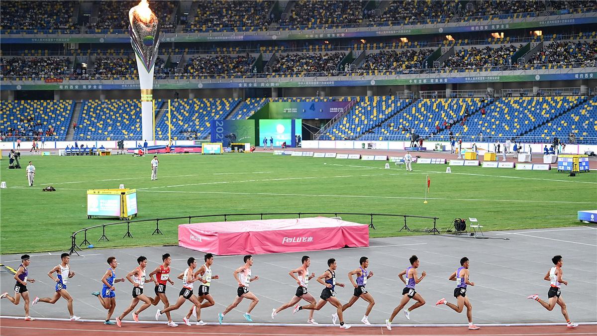 全運會-田徑男子10000米決賽:西藏隊多布傑獲得冠軍