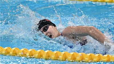 湯慕涵打破女子200米自由泳全國紀錄奪得全運會冠軍