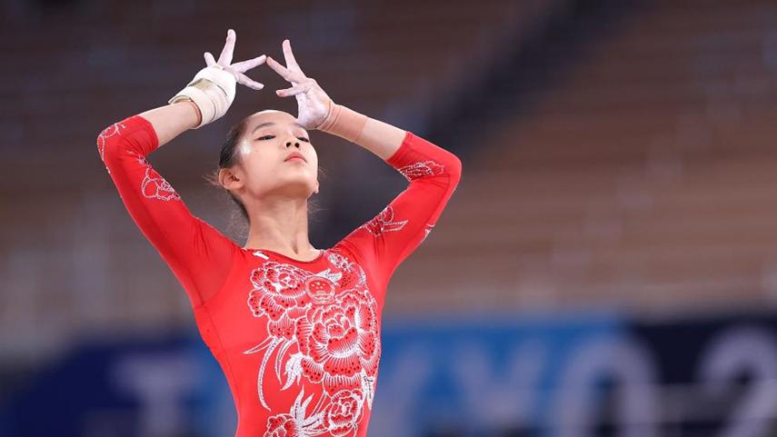 體操綜合:首戰奧運賽出氣勢 中國小花挺進三甲