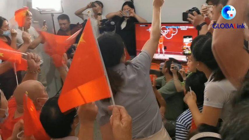 全球連線|諶利軍逆轉為中國摘得第六金 家鄉沸騰諶母落淚